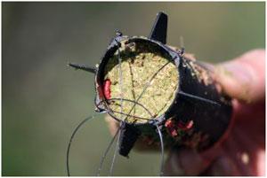 ракета для заброса прикормки на рыбалке